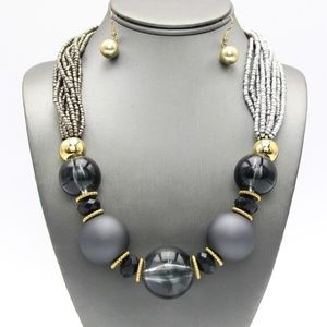 Jewelry - Gray Matte Beaded Necklace Set